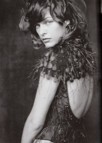 Milla Jovovich by Paolo Roversi for Vogue Italia, October 2002 6