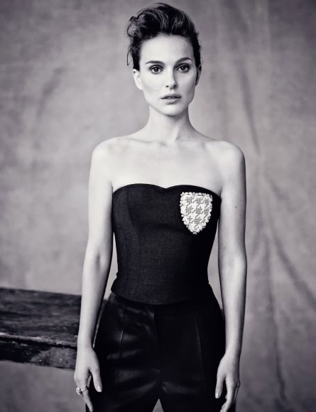 Natalie-Portman-by-Paolo-Roversi-for-Dior-Magazine-5a